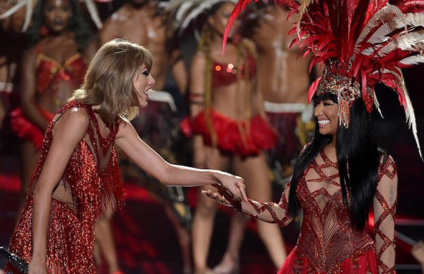 Nicki Minaj & Taylor Swift VMA's 2015