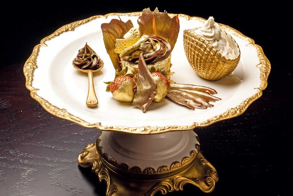 Resultado de imagen para The Golden Phoenix en el restaurante Bloomsbury's.