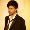 "Enrique Iglesias estrena ""Súbeme la Radio"""